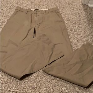 Banana Republic khaki boot cut 30/32
